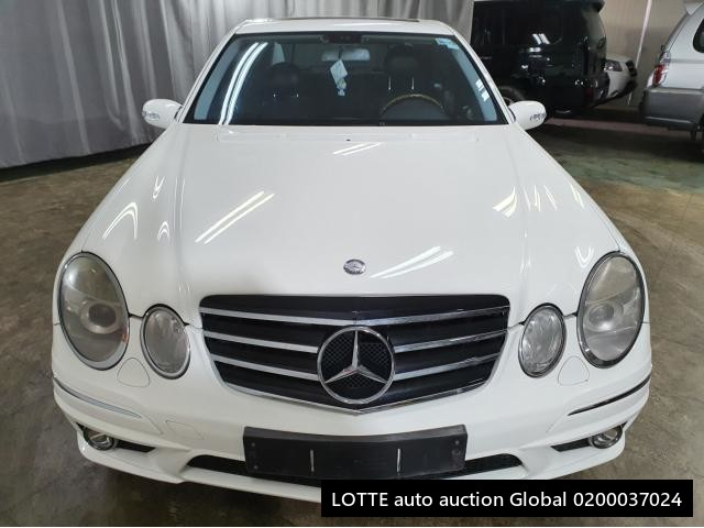 2005 MERCEDES BENZ E320 (Left Hand Drive)